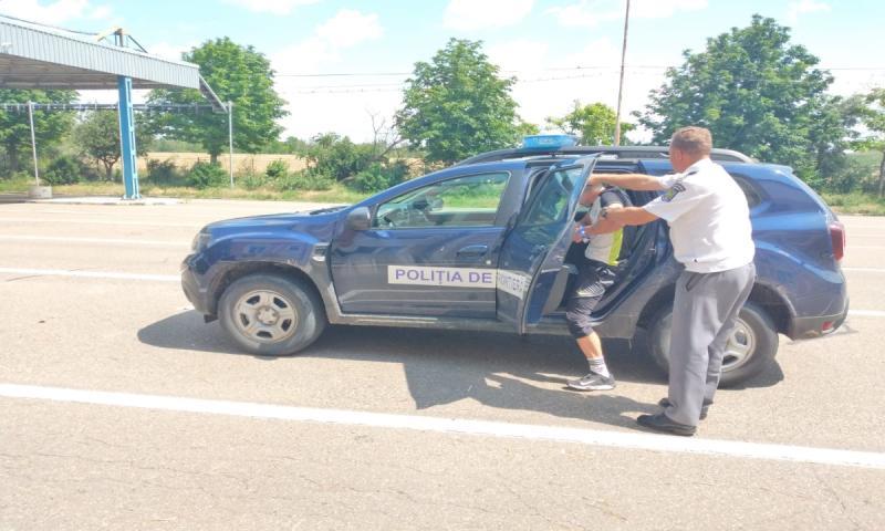 Un moldovean dar în urmărire generală prins la Albița