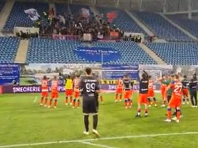 Jucătorii de la FCSB au sărbătorit alături de suporteri victoria cu FCU Craiova Momente spectaculoase de pe stadion