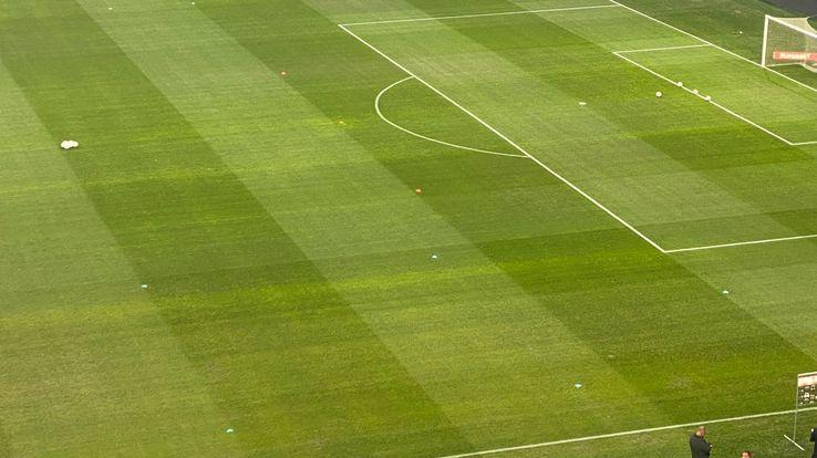 Ieșire nervoasă în FCU Craiova  FCSB  Șia aruncat tricoul și a plecat la vestiare