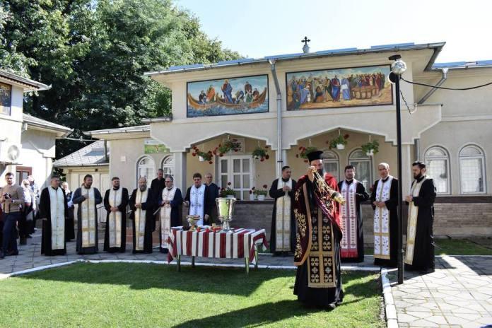 Centre sociale pentru tineri și vârstnici la Biserica Petru și Pavel
