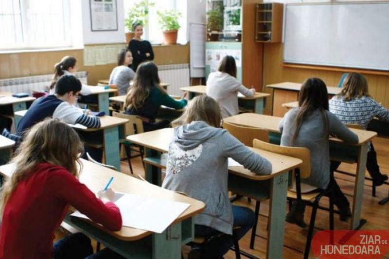 Alertă de COVID în școlile vasluiene 268 de elevi și 11 profesori au coronavirus după o săptămână de cursuri