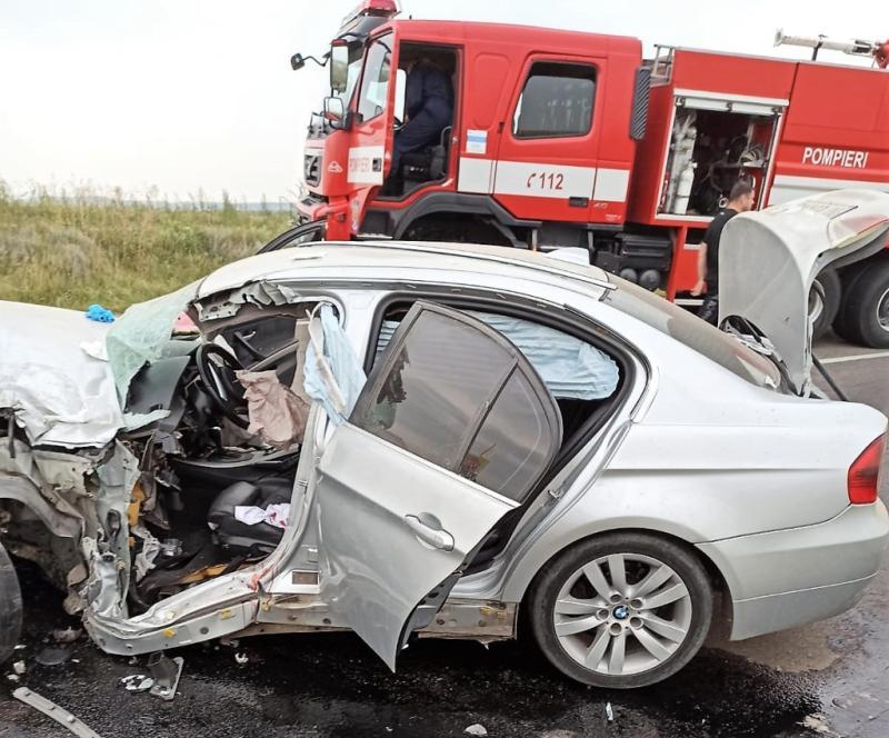 Accident GRAV la Valea Grecului în apropiere de Huși Două mașini distruse în urma impactului extrem de violent