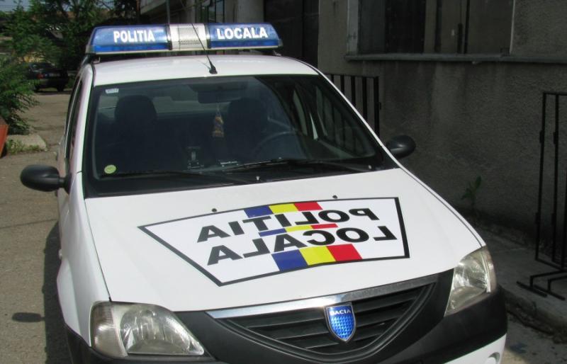 Polițiștii locali au identificat doi tineri dați în urmărire dispăruți dintro căsuță instituționalizată