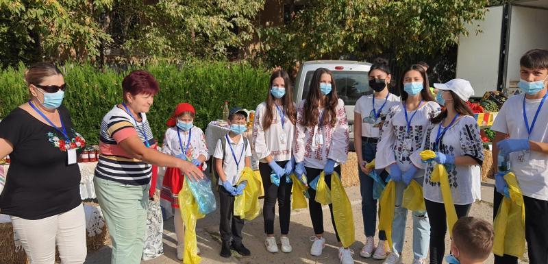 Ziua Națională a Curățeniei marcată în Municipiu de un grup de tineri împreună cu salariații DAJ Giurgiu Care au fost străzile eologizateFoto VIDEO