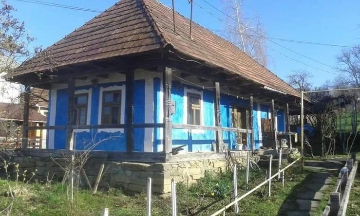O NOUĂ CASĂ TRADIȚIONALĂ ÎN SATUL DE PE DEAL