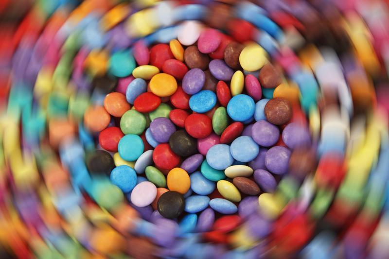 Peste 60 dintre copii consumă zilnic dulciuri