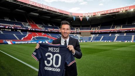 Sa aflat cât câștigă Lionel Messi la Paris SaintGermain O mică parte din acest salariu va fi plătită de criptomoneda PSG Reacția clubului