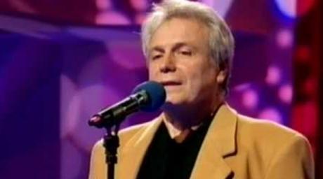 DOLIU ÎN MUZICA ROMÂNEASCĂ  A murit cântăreţul Dorin Anastasiu A fost câștigătorul Cerbului de argint alături de Angela Similea acum 50 de ani