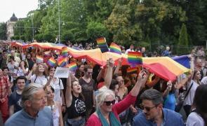 Activiștii LGBT supărați că legea nu le permite să facă marș în Iași Homofobulrasistul Mihai Chirica vrea să interzică evenimentul