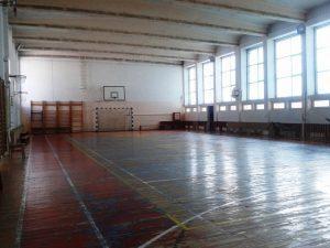 Profesorul de sport acuzat că a agresat sexual copile de 7 ani a luat ore în PiatraNeamț
