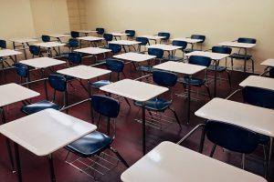 Neamț Elevii din 5 clase învață online de acasă după prima săptămână de școală