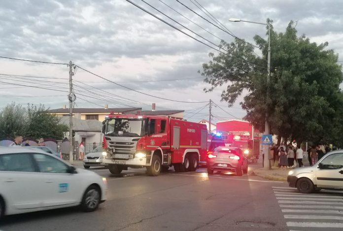 ULTIMA ORĂ FOTO Ciocnire între două mașini pe strada Mărășești din Focșani