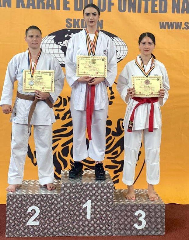 GALERIE FOTO Karate SKDUN  Sportivii de la CSM Focșani 2007 și Satori 30 de medalii la Cupa României și Cupa de Toamnă