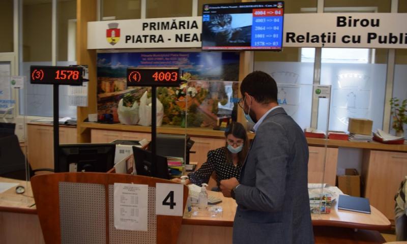 Sistem electronic de ordonare a cozilor la Primăria Piatra Neamţ