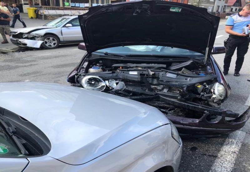 FOTO Trei mașini avariate în urma unui accident în Telciu Un bărbat din Bistrița rănit