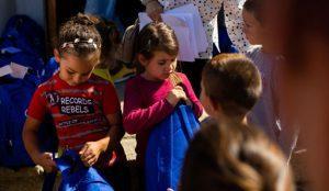 Evofarm a ajutat 280 de elevi din Săgeata Dâmbroca și Găvănești să înceapă anul școlar cu dreptul