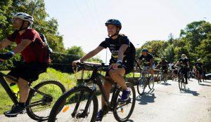 Peste 1000  bicicliști au renunțat la telefoane și calculatoare pentru a ieși la pedalat