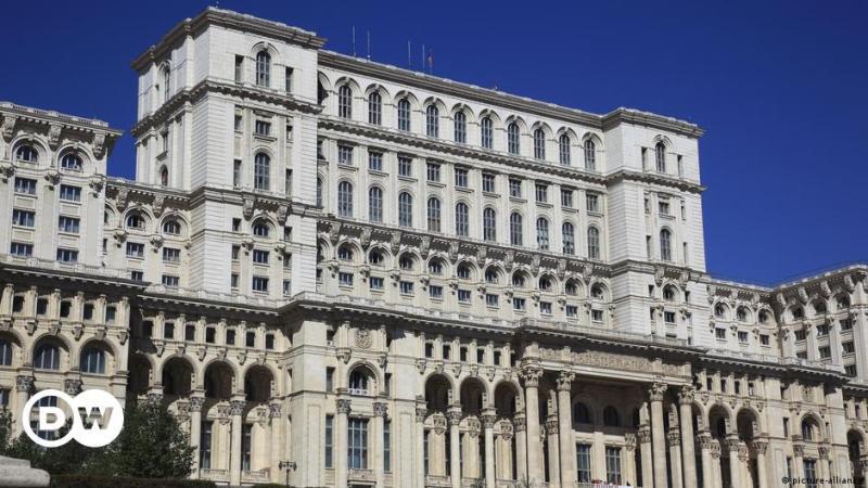 Împărăția etichetelor false sau cine conduce România cu adevărat