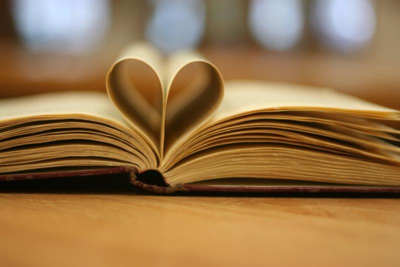Sunt două lucruri esențiale care te vor face înțelept  cărțile pe care le citești și oamenii pe carei întâlnești  Jack Canfield