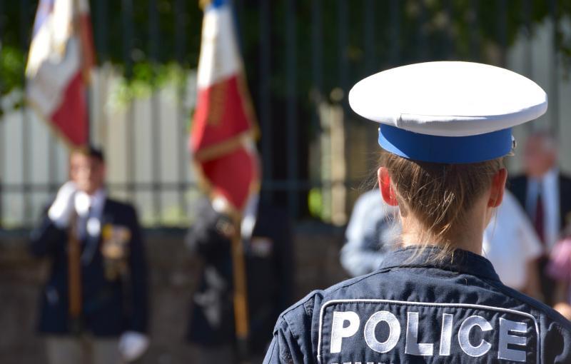 Franța O mașină a intrat în terasa unui restaurant Șase persoane rănite