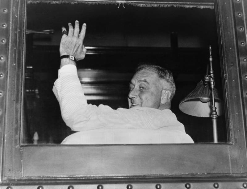 Franklin Delano Roosevelt președintele ales de patru ori la cârma Statelor Unite
