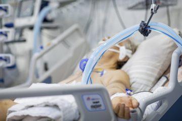 Coronavirus în România Peste 5000 de cazuri noi și aproape 100 de decese asociate Covid