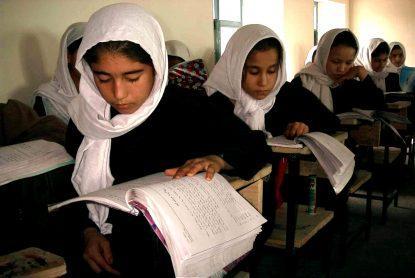 Afganistan Încep şcolile dar fără fete