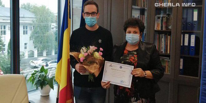 Elevii cu 10 la Evaluare Națională și Bacalaureat premiați cu bani de ISJ Cluj