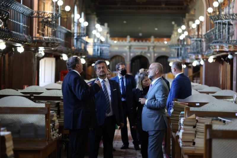 Una dintre cele mai importante companii producătoare de trenuri și tramvaie din Polonia  PESA  vrea să deschidă o filială la Iași cu sprijinul Universității Tehnice