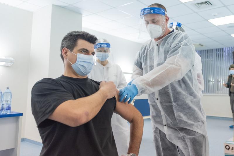 Ungaria prima țară din UE care a început administrarea celei dea treia doze de vaccin