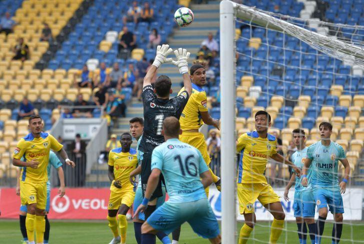 Ripensia Timisoara nu poate opri Petrolul iar echipa din Ploiesti este noul lider din liga secunda