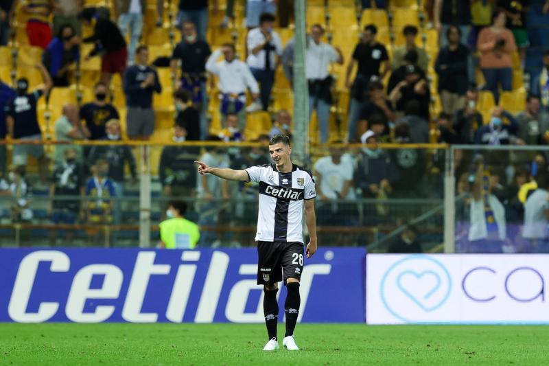 Tatăl lui Valentin Mihăilă dezvăluiri despre fiul său Lazio a vrut săl transfere de la Parma Ce echipă din Premier League sa interesat de el