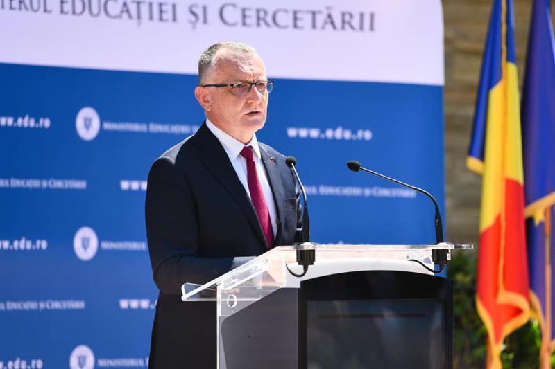 Până la România educată sajungem la România alfabetizată