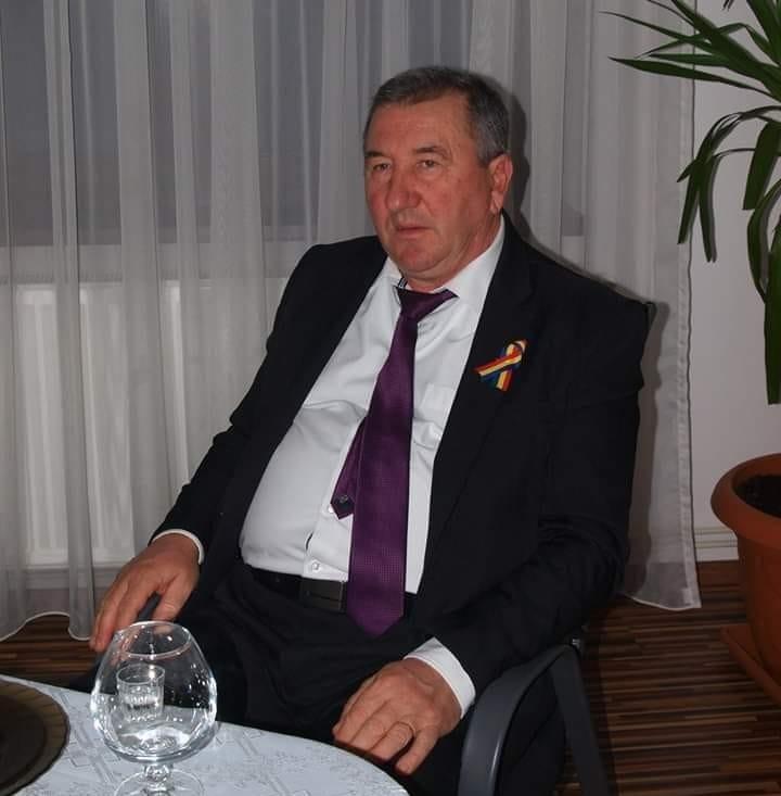 Seria Viata in Dambovita Comunista Ion Lazar consilierul local PSD care nu consiliaza nimic si Tita sotia sa razboinica