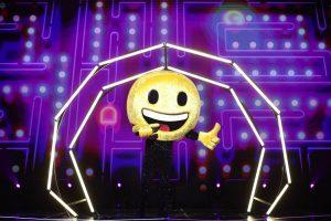 Surpriză la Masked Singer România Cine este Emoji