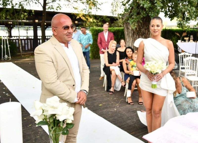 Frumoasa Roxana Nemeș a spus da Cu cine sa căsătorit simpatica cântăreață