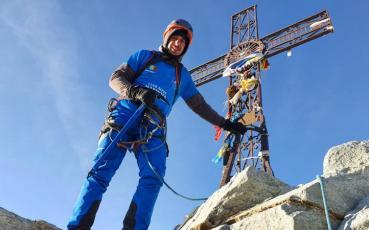 Relatarea unui alpinist petrosenean care a urcat in sandale de trekking pana la 3830 m altitudine