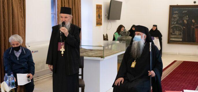 Prinos de cinstire Părintelui Arhimandrit Veniamin Micle și lansări de carte la Mănăstirea Bistrița